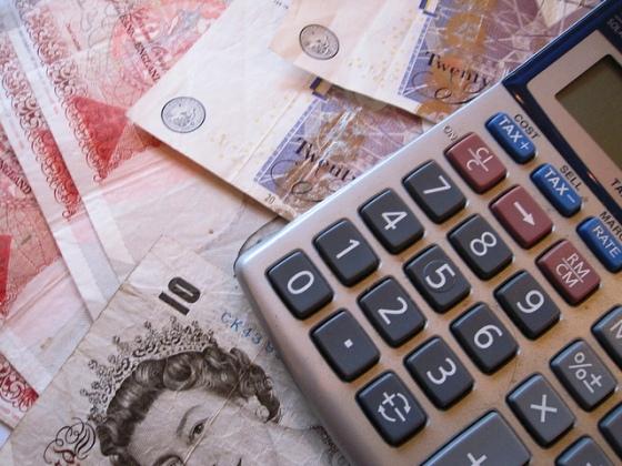 Le paiement à la page pourrait rendre la rémunération des auteurs plus juste (crédits photos : Image of Money).